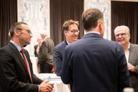 Einstimmung: Christian Bebek und Dr. Birkner (rechts)